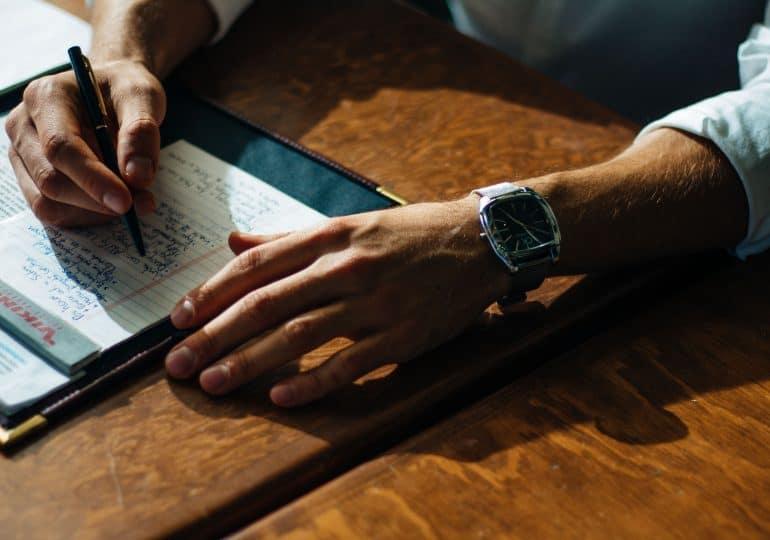 Jak zacząć biznes, pracując na etacie?