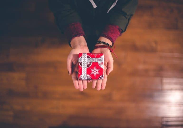 Jak szybko, tanio i wygodnie kupić prezenty na święta (plus lista pomysłów)