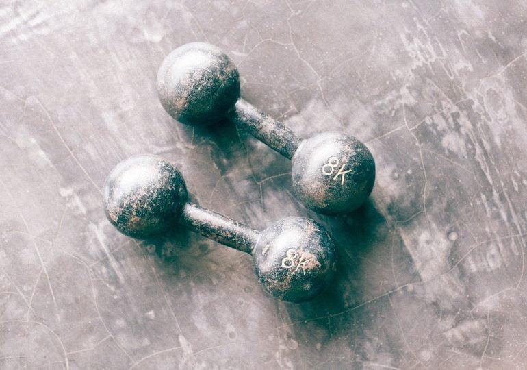 """Rośnie zainteresowanie treningami online i zakupem sprzętu fitness. """"To tymczasowe zjawisko"""""""