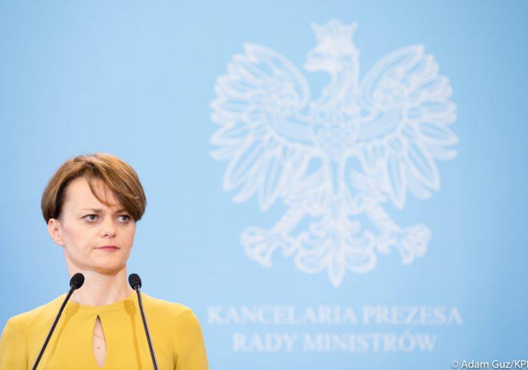 """Minister Emilewicz zdradza szczegóły IV etapu odmrażania gospodarki. Nie wyklucza również """"zaciągnięcia ręcznego"""""""