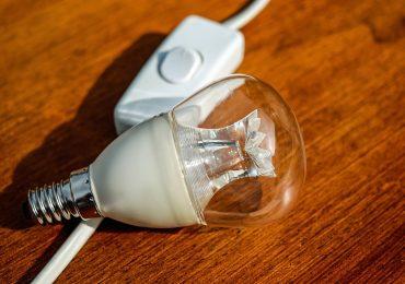 Nie będzie rządowych rekompensat za podwyżki cen prądu? Sasin: Epidemia weryfikuje