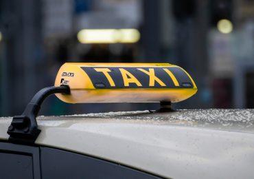 Przewóz osób spadł o 70%. Taksówkarze liczą straty
