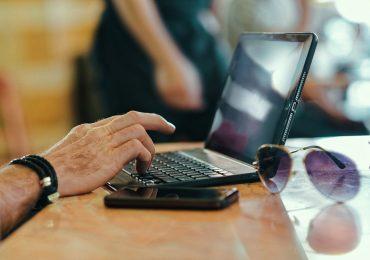 """Raport """"E-commerce wPolsce 2020 woczach internautów"""": Ponad 70% Polaków kupuje w sieci"""