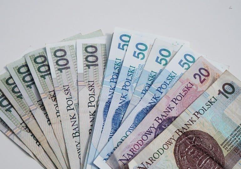 """PARP daje 500 mln zł dla MŚP na badania i rozwój. """"Przedsiębiorcy mimo pandemii, chcą się rozwijać"""""""