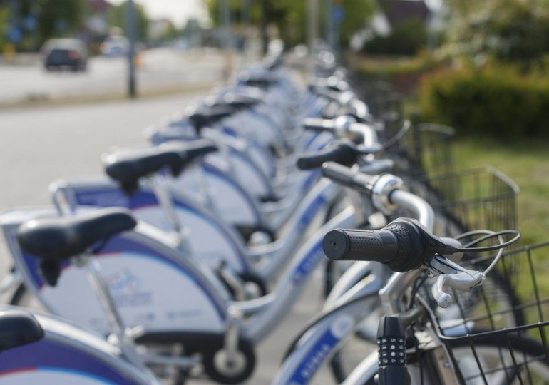 Rowery miejskie na zakręcie. Liczba wypożyczeń spadła nawet o kilkadziesiąt procent