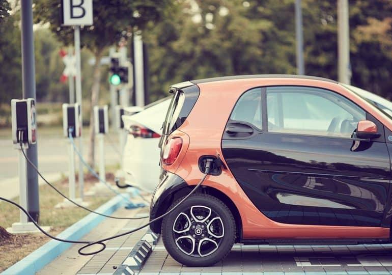 """Baterie grafenowe rozwiążą problem elektromoblilności. """"SuperBattery to przełom wbranży motoryzacyjnej"""""""