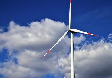 Przemysł i medycyna rezygnują z paliw kopalnych i sięgają po OZE