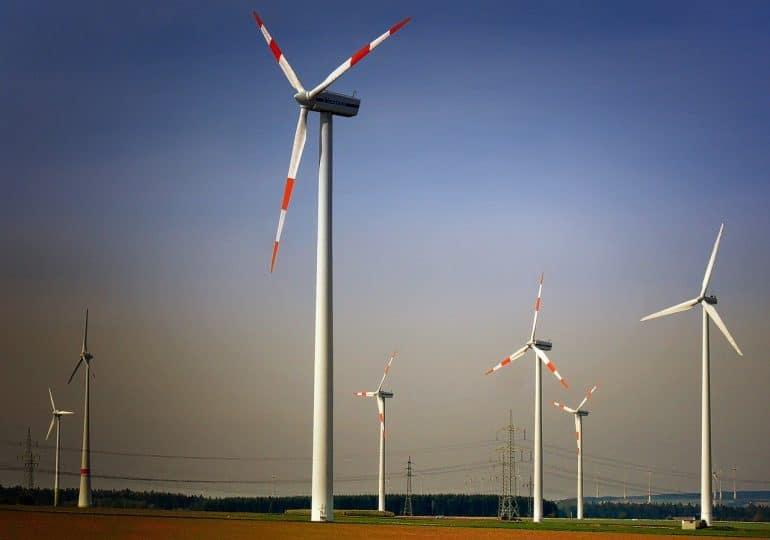 PGE stawia na OZE. Grupa będzie inwestować w farmy wiatrowe i fotowoltaikę