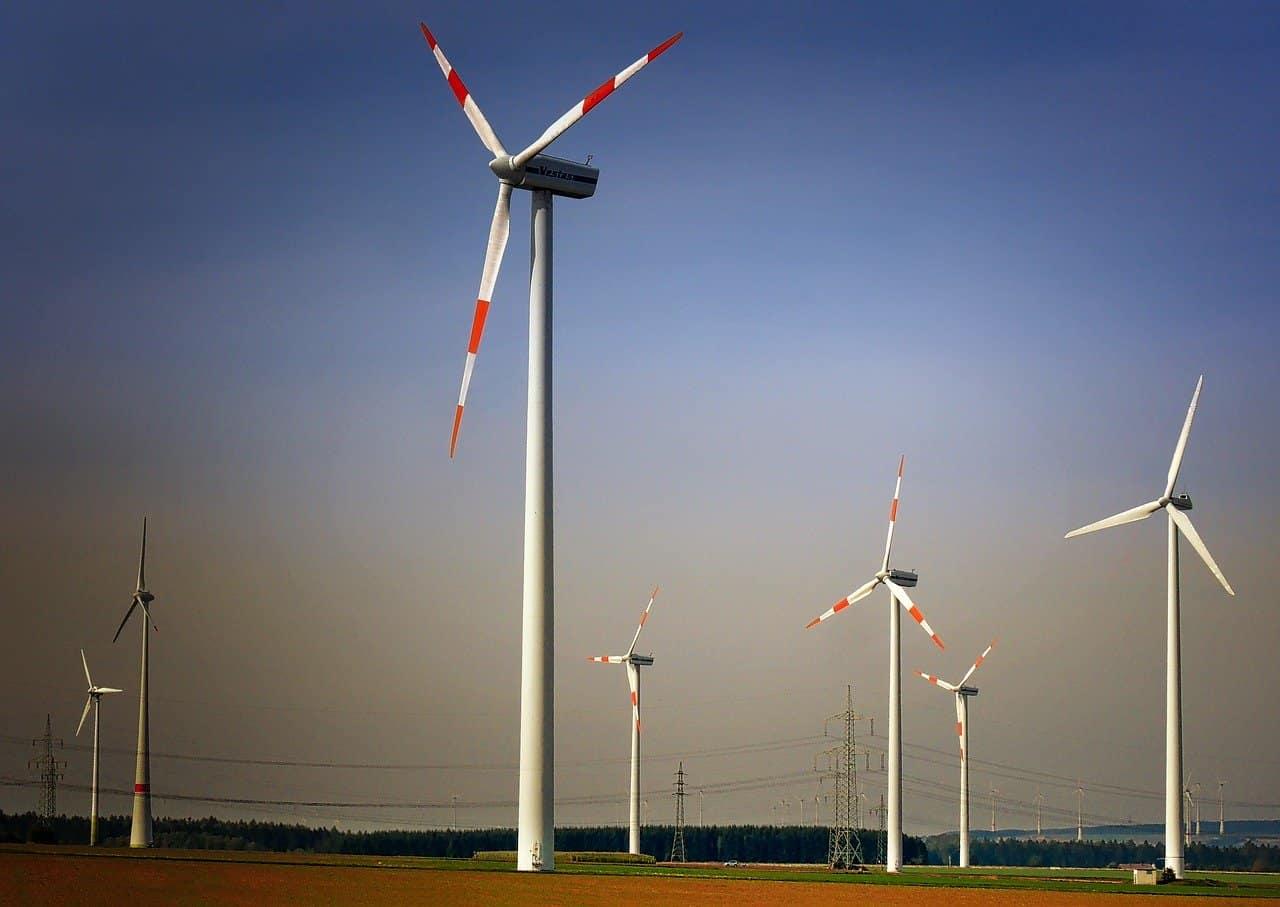 PGE stawia naOZE. Grupa będzie inwestować wfarmy wiatrowe ifotowoltaikę