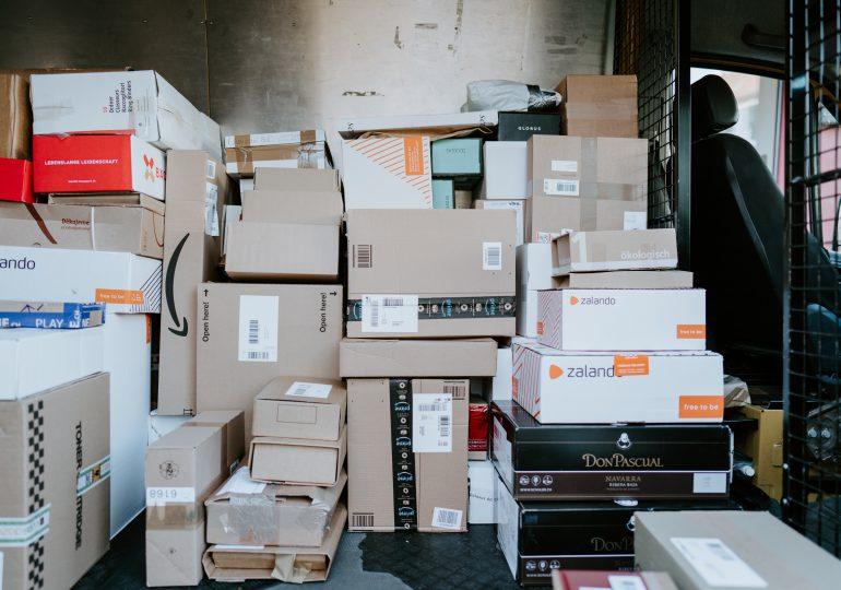 Firmy logistyczne gotowe na szczyt przedświątecznych dostaw. Punkty odbioru coraz popularniejsze