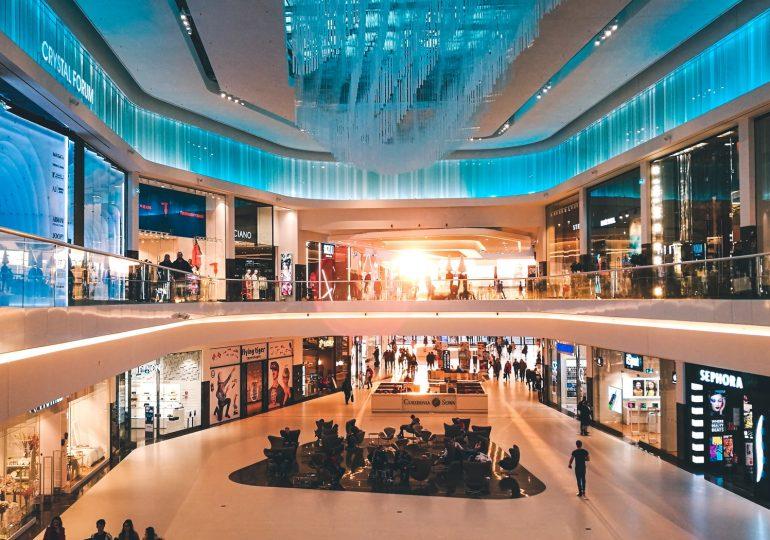 Otwarcie sklepów i galerii handlowych niczym tlen dla polskiej gospodarki. Co z gastronomią i turystyką?