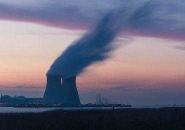 """Elektrownia atomowa pomoże utrzymać 1,3 mln miejsc pracy. """"Będzie kluczowym narzędziem do utrzymania rentowności polskich przedsiębiorstw"""""""