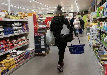 BADANIE: Przedświąteczny ruch na dużym minusie. W sklepach ubyło blisko 60% klientów