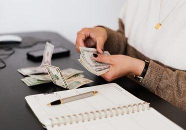 Do jakiej kwoty można płacić gotówką? Dowiedz się, jakie ograniczenia dotyczą przedsiębiorców